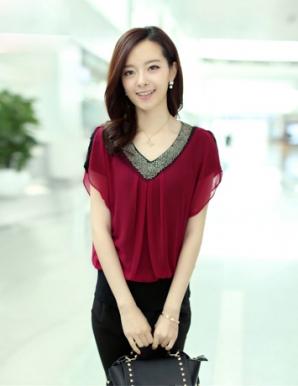 Áo kiểu nữ màu đỏ cổ tim đính cườm - A9682