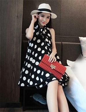 Đầm suông màu đen chấm bi xếp tầng - B0948