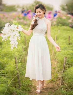 Đầm maxi cổ yếm phối ren hoa - B1256