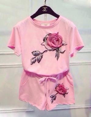 Bộ đồ short đính hoa hồng - B1352