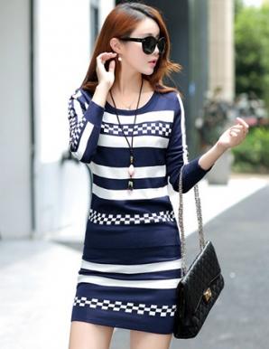 Set đầm len màu xanh phối sọc caro - B2875