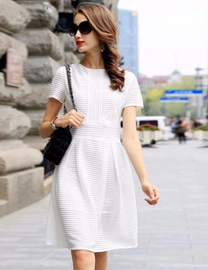 Đầm xòe ren sọc màu trắng - B2928