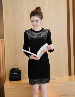 Đầm len màu đen phối ren - B3050