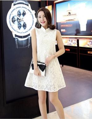 Đầm ren suông màu trắng- B3161