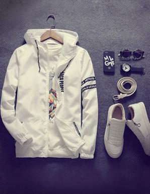 Áo khoác dù in chữ màu trắng - B3393