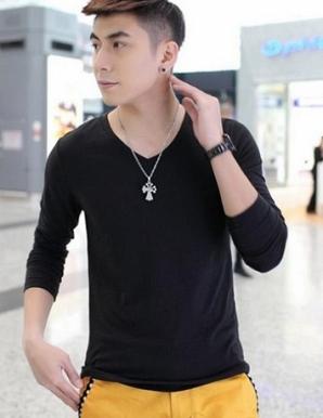 Áo thun nam cổ tim tay dài màu đen - B3417