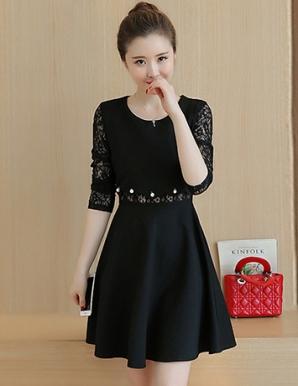 Đầm dự tiệc tay ren phối ngọc trai màu đen - B3577