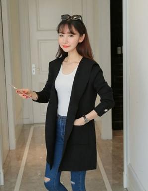 Áo khoác len màu đen phối túi thời trang - B3763