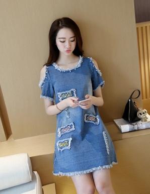Đầm jean suông cut out vai đính ngọc trai - B3796