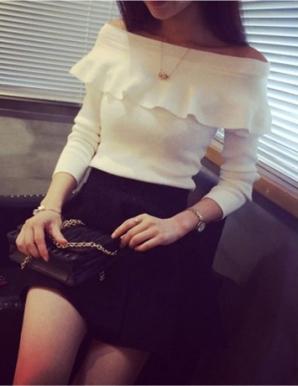 Áo len ôm cổ nhún bèo màu trắng - B3815