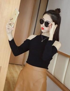 Áo len ôm cut out vai màu đen - B3870