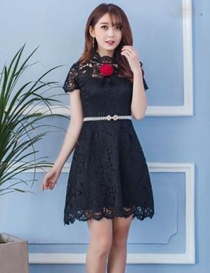 Đầm ren xòe cổ hoa - B5482