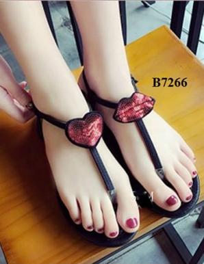 Giày sandal đế bệt môi và tim - B7266