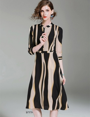 Đầm xòe sọc dáng dài- B7579